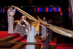 Nativity dancing angels goldcross