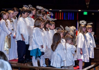 Nativity singing angels